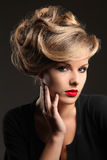 Modello con bei capelli Fotografie Stock Libere da Diritti