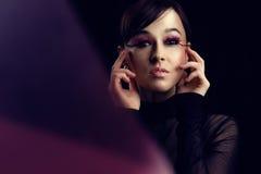 Modello con i cigli rosa lunghi Fotografia Stock Libera da Diritti