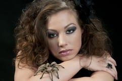 Modello con il Tarantula Fotografia Stock Libera da Diritti