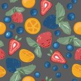 Modello con le bacche ed i frutti Immagini Stock