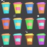 Modello con le tazze di caffè eliminabili Fotografie Stock Libere da Diritti