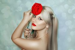 Modello Cute Make di Brunnete della donna delle donne della ragazza bello su immagini stock libere da diritti