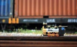 Modello d'annata del giocattolo del treno Immagini Stock