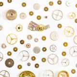 Modello dai vari pezzi di ricambio anziani dell'orologio Immagine Stock