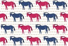 Modello dei cavalli rossi e blu sul fondo del pois Fotografia Stock
