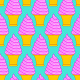 Modello del cono gelato della fragola Grande parte posteriore dolce del cono della vaniglia Immagine Stock Libera da Diritti
