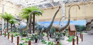 Modello del dinosauro in museo di storia naturale Fotografia Stock