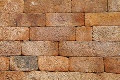 Modello del mattone dell'arenaria sulla parete di Qutub Minar immagini stock