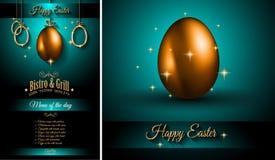 Modello del menu del ristorante per la celebrazione 2017 di Pasqua con un uovo dorato Fotografia Stock Libera da Diritti
