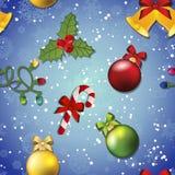 Modello del nuovo anno con il giocattolo, il vischio e la caramella dell'albero di Natale Immagine Stock Libera da Diritti