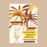 Modello del partito della spiaggia di estate con le palme e del cocktail Immagini Stock