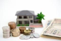 Modello dell'alloggio e dei soldi Immagine Stock Libera da Diritti