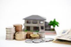 Modello dell'alloggio e dei soldi Immagini Stock Libere da Diritti