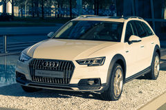 Modello dell'automobile di quattro del allroad A4 nuovo dell'incrocio di Audi 4WD Immagine Stock