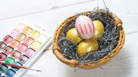 modello dell'uovo in un canestro Immagini Stock Libere da Diritti