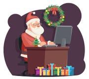 Modello della cartolina d'auguri del fumetto del fondo dell'albero di Natale dell'icona di Santa Claus Sit Computer Work Table Ch Fotografia Stock