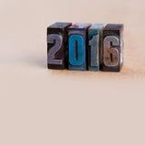 Modello della cartolina del nuovo anno scritto in annata Fotografia Stock Libera da Diritti