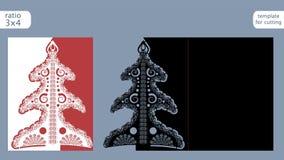 Modello della cartolina di Natale tagliato laser Tagli la carta a stampo tagliente di carta con il modello dell'albero di Natale  Fotografie Stock Libere da Diritti