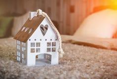 Modello della casa della casa dolce casa su tessuto Fotografie Stock Libere da Diritti