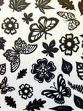 Modello delle farfalle, delle foglie e di fiori. Taglio di carta. Fotografia Stock Libera da Diritti