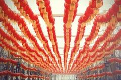 Modello delle lanterne cinesi del nuovo anno - segno e simbolo delle lampade orientali immagini stock