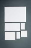 Modello di affari del modello con le carte, carte Fotografia Stock