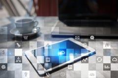Modello di affari Icone sullo schermo virtuale Internet, concetto di tecnologia digitale Fotografia Stock Libera da Diritti