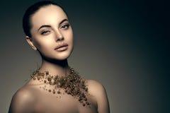 Modello di alta moda Girl Stile P di Vogue di alta moda della donna di bellezza Fotografie Stock Libere da Diritti