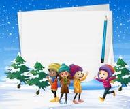 Modello di carta con i bambini nel campo di neve Fotografia Stock