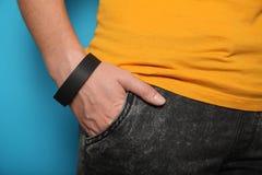 Modello di carta del braccialetto del nero di evento, progettazione di polsino Polso dell'identificazione, adesivo immagini stock