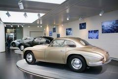 Modello di Este del ` della villa d di Alfa Romeo 6C 2500 su esposizione al museo storico Alfa Romeo fotografia stock