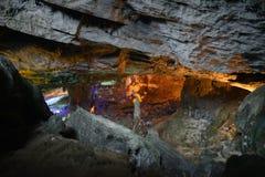 Modello di giallo di Thien Cung Cave Heavenly Palace Cave fotografia stock