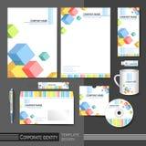 Modello di identità corporativa con gli elementi del cubo di colore Fotografia Stock