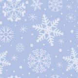 Modello di inverno con i fiocchi di neve su fondo blu molle Reticolo senza giunte di inverno Fotografia Stock Libera da Diritti