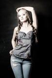 Modello di moda biondo Posing fotografie stock libere da diritti