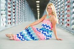 Modello di moda biondo sexy della ragazza fotografia stock libera da diritti