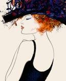 Modello di moda della donna con il cappello Fotografie Stock