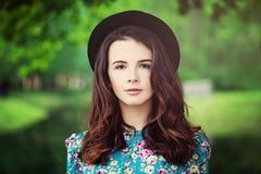 Modello di moda Girl Outdoors Fotografie Stock Libere da Diritti
