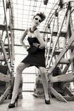 Modello di moda nella posa futuristica di stile Fotografia Stock Libera da Diritti