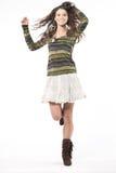 Modello di modo attraente che propone nello studio. Fotografia Stock Libera da Diritti