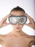 Modello di modo negli occhiali di protezione di nuotata Fotografia Stock