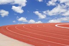 Modello di olympics di estate dalla pista e dal cielo correnti Immagini Stock