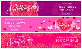 Modello di progettazione delle insegne di vendita di Valentine Day Vector il cuore rosso sul fondo dei fiori di rosa per il sal d Fotografia Stock