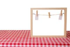 Modello di ricetta dell'alimento Svuoti la struttura di legno e un controllore bianco rosso fotografia stock
