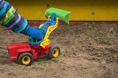 Modello di scala del caricatore variopinto del giocattolo fotografia stock