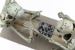 Modello di scheletro dei controllori su fondo bianco Fotografia Stock Libera da Diritti