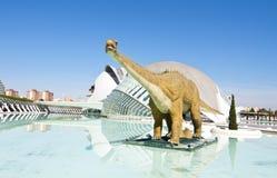 Modello di un dinosauro nel Hemisferic fotografia stock