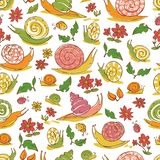 Modello disegnato a mano bianco di ripetizione delle lumache e dei fiori di vettore Adatto ad involucro, a tessuto ed a carta da  royalty illustrazione gratis