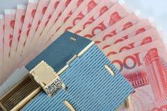 Modello e banconota della Camera Fotografia Stock