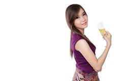 Modello e champagne freschi, su bianco fotografie stock